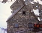 abbot-hut-exterior
